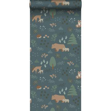 papel pintado bosque con animales del bosque azul agrisado, verde y beige de ESTA home