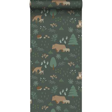 papel pintado bosque con animales del bosque verde oscuro y beige de ESTA home