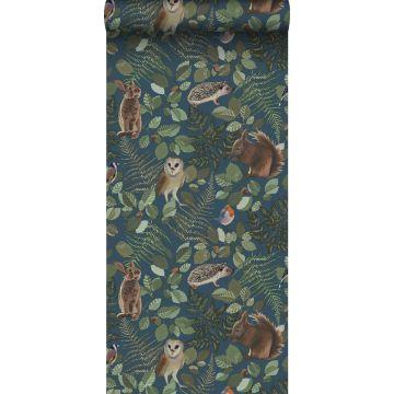 papel pintado animales del bosque azul oscuro, verde y marrón de ESTA home