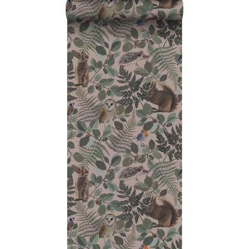 papel pintado animales del bosque rosa viejo, verde y marrón de ESTA home