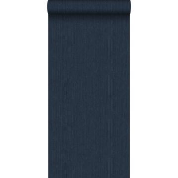 papel pintado liso con textura de tejido azul oscuro de ESTA home