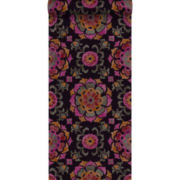 papel pintado flores Suzani negro, naranja y rosa de Origin